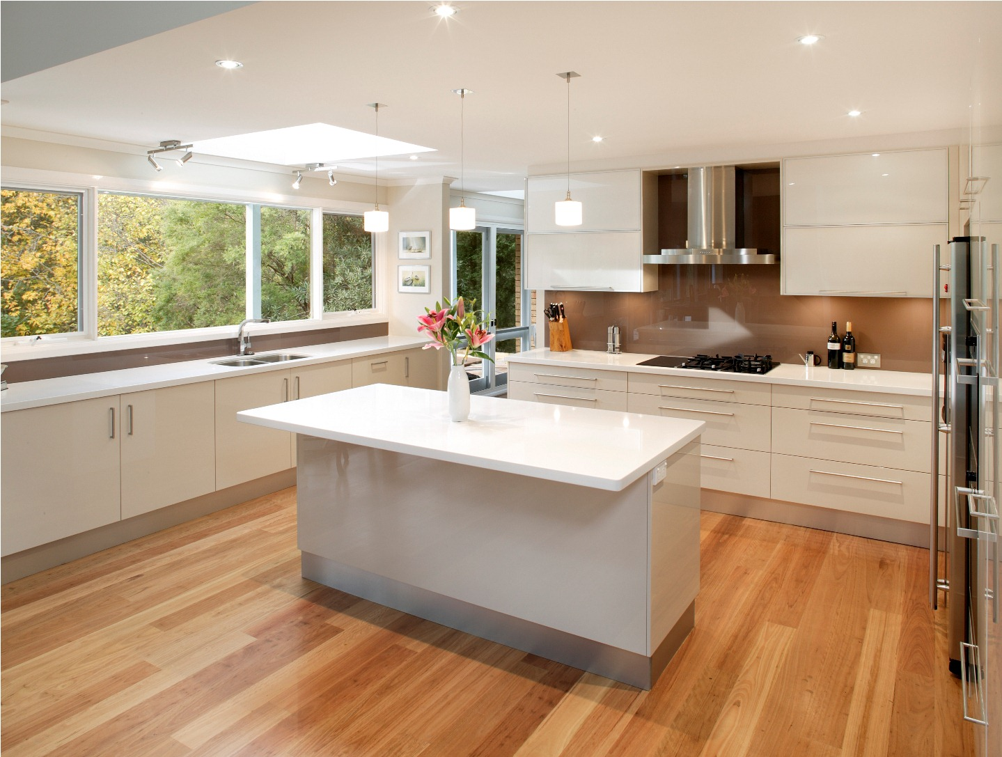 The alchemist 39 s kitchen kitchen envy on linebreak for Simple kitchen