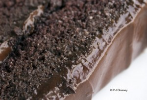©PJ-2014-Chocoholic-Fitness-Cake-sliced_crop_4260-720x489